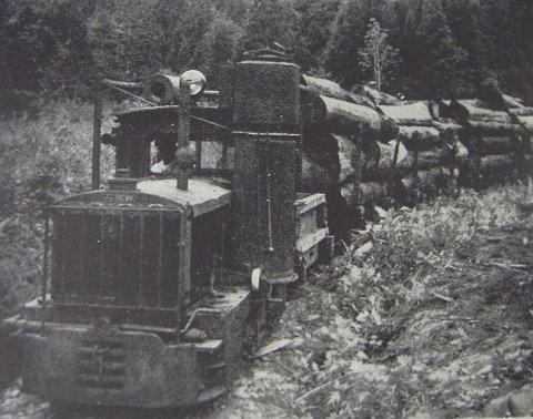 木炭瓦斯代燃装置付き酒井製内燃機関車